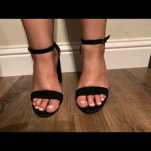 Steve Madden Carrson sandal-Black suede